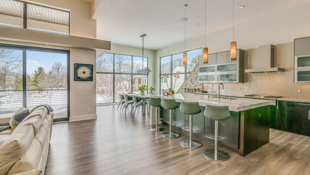 Modern Home With Greige Laminate Flooring Dream Home Gallery