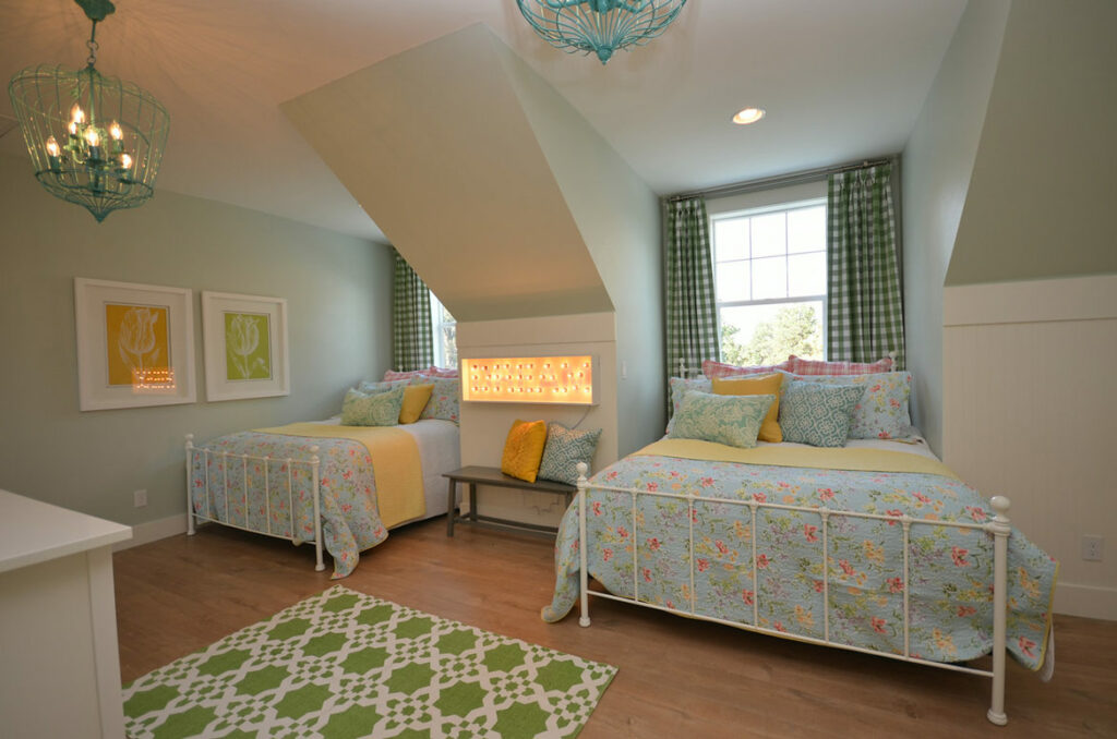 farmhouse girls bedroom with quick step malted tawny oak laminate
