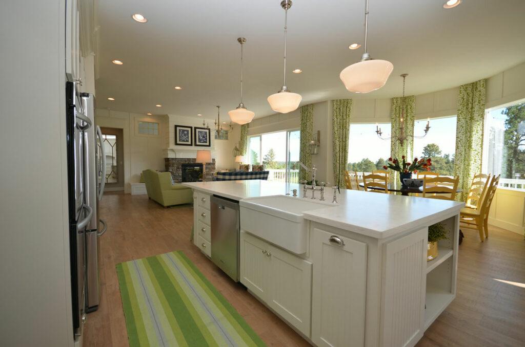 white farmhouse kitchen with quick step malted tawny oak laminate